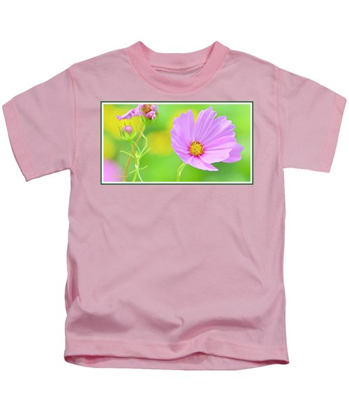 Cosmos Flower In Full Bloom, Bud Kids T-Shirt