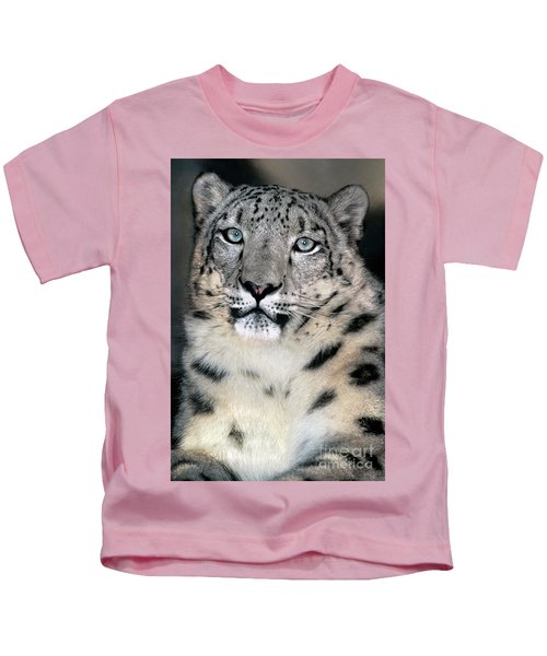 Snow Leopard Portrait Endangered Species Wildlife Rescue Kids T-Shirt
