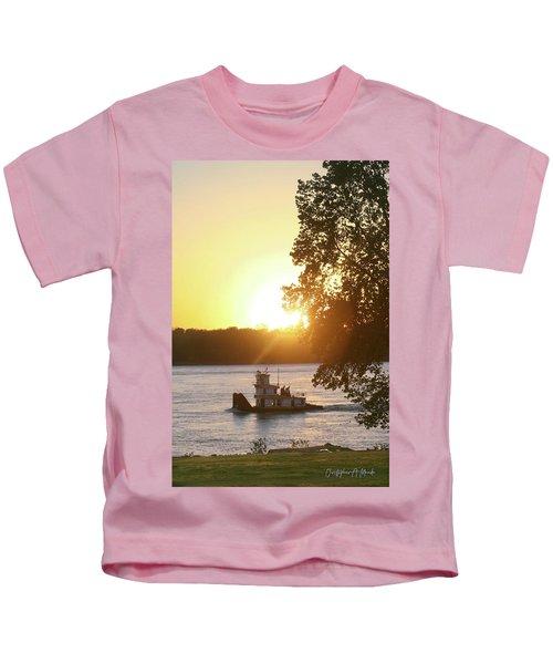 Tugboat On Mississippi River Kids T-Shirt