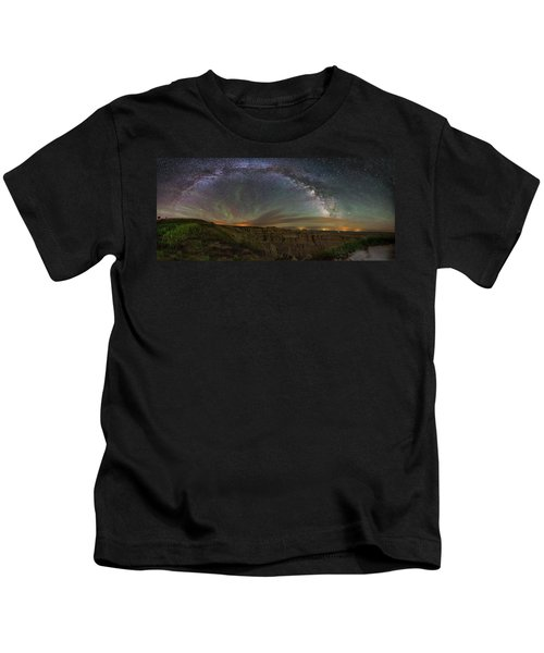 Pinnacles Overlook At Night Kids T-Shirt