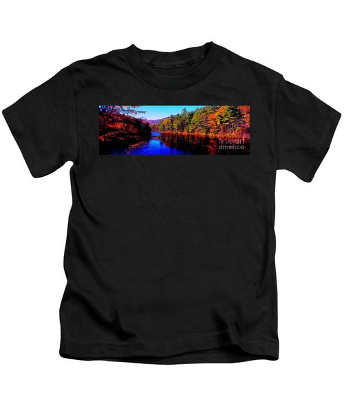 White Mountians National Park Red Eagle Pond New Hampshire Kids T-Shirt