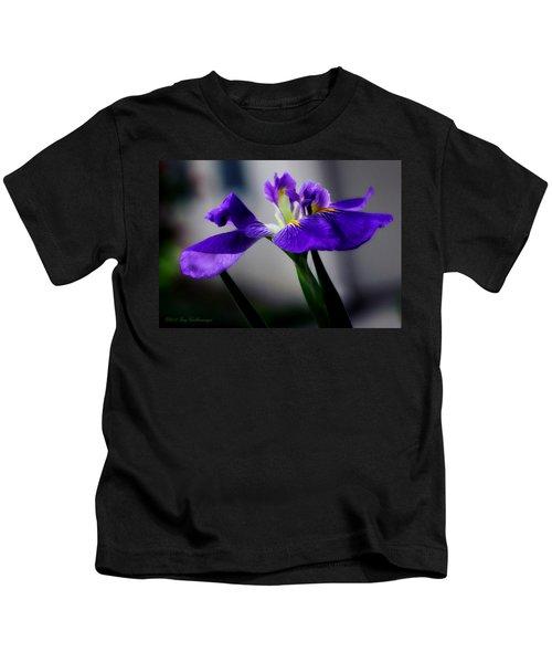 Elegant Iris Kids T-Shirt