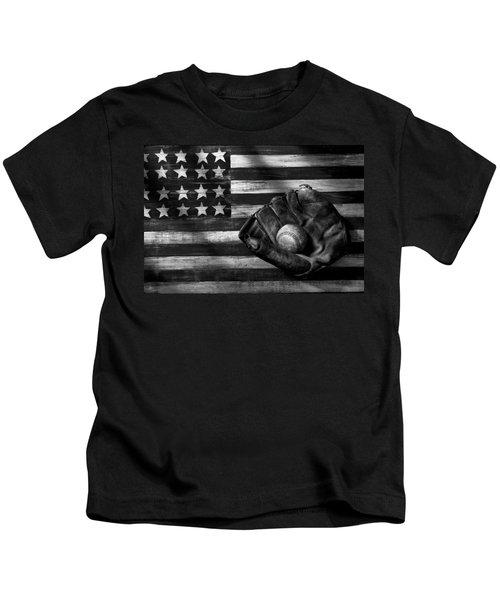 Folk Art American Flag And Baseball Mitt Black And White Kids T-Shirt