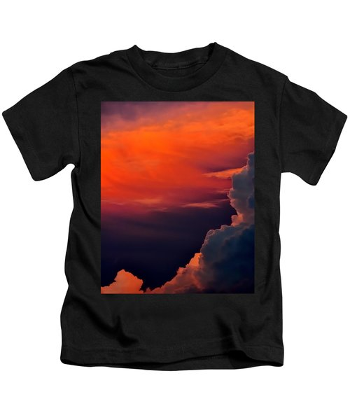 Storm Moving In 16101 Kids T-Shirt