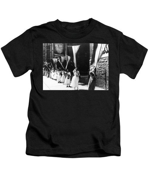 1920 Suffrage Demonstrators Kids T-Shirt