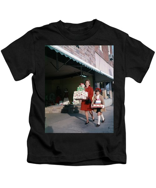 1970 1970s Mother Daughter Carrying Kids T-Shirt