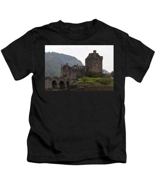 Cartoon - Structure Of The Eilean Donan Castle With A Stone Bridge Kids T-Shirt