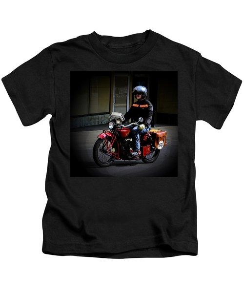 35 Arrives Kids T-Shirt