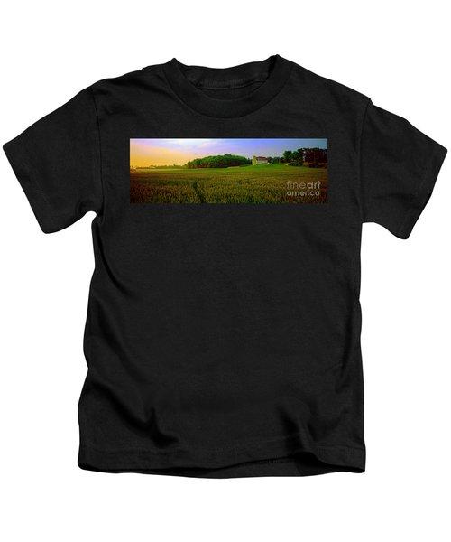 Conley Road, Spring, Field, Barn   Kids T-Shirt