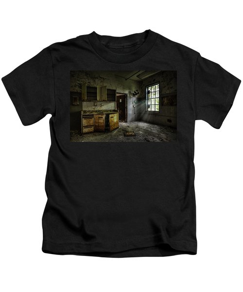 Abandoned Building - Old Asylum - Open Cabinet Doors Kids T-Shirt