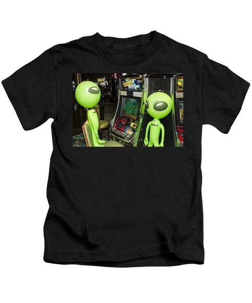 Alien Slot Play  Kids T-Shirt