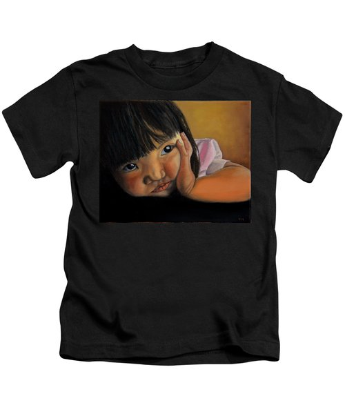 Amelie-an 2 Kids T-Shirt