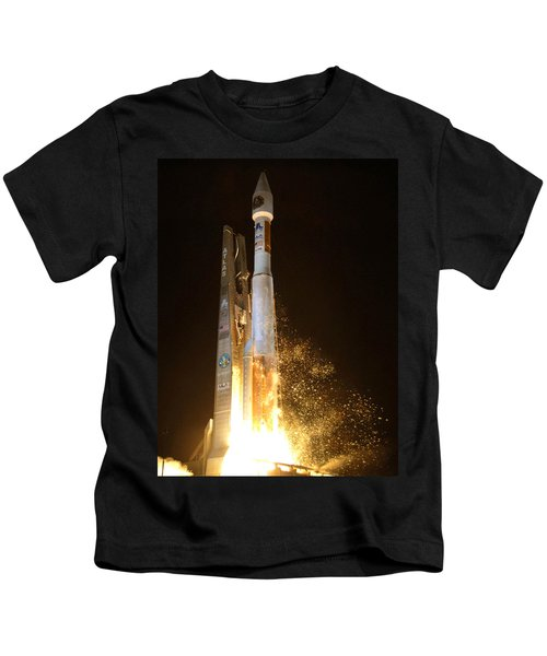 Atlas V Rocket Taking Off Kids T-Shirt