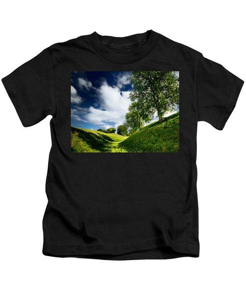 Avebury Hillside Kids T-Shirt