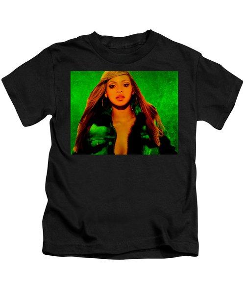 Beyonce II Kids T-Shirt by Brian Reaves