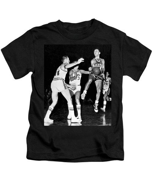 Bob Cousy Passes Basketball Kids T-Shirt