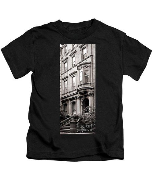 Brooklyn Heights -  N Y C - Classic Building And Bike Kids T-Shirt