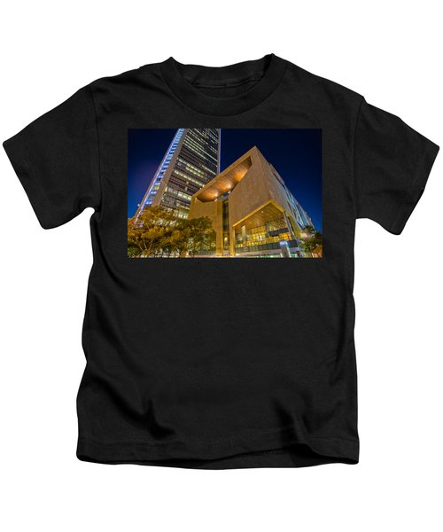 Buildings And Architecture Around Mint Museum In Charlotte North Kids T-Shirt