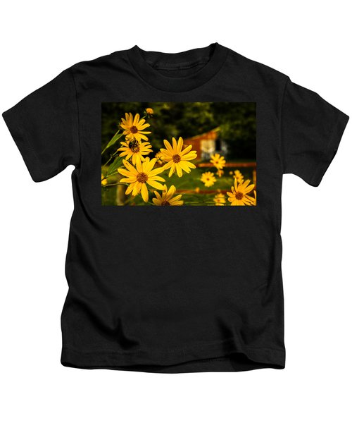 Bumble Bee On A Western Sunflower Kids T-Shirt