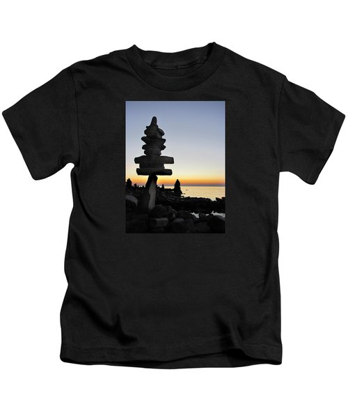 Cairns At Sunset At Door Bluff Headlands Kids T-Shirt