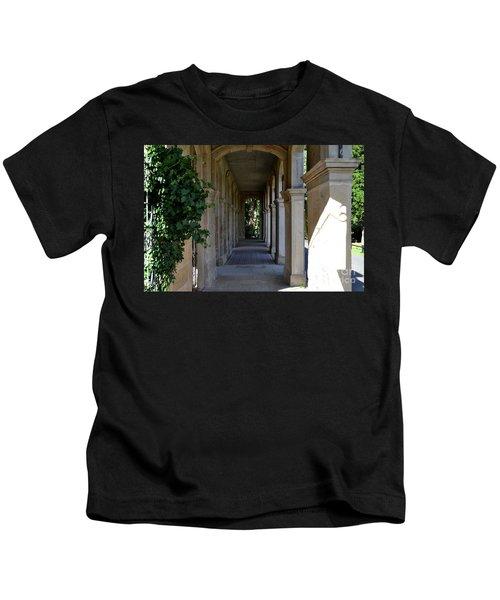 Captain Cook Museum Walkway Kids T-Shirt