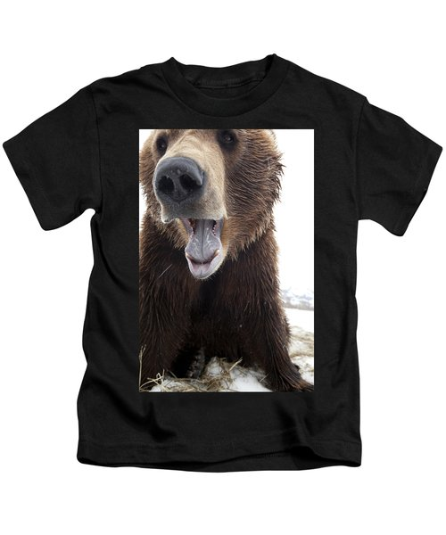 Captive Close Up Of A Brown Bear With Kids T-Shirt