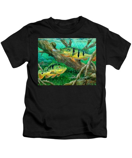 Catching Peacock Bass - Pavon Kids T-Shirt