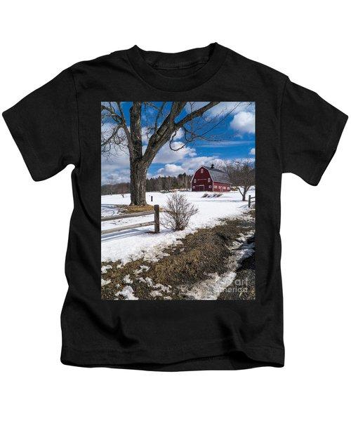 Classic New England Farm Scene Kids T-Shirt