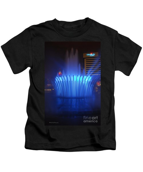 D101l-122 Scioto Mile Fountain Photo Kids T-Shirt
