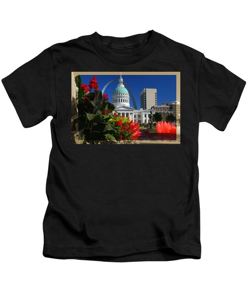 Courthouse Arch Skyline Fountain Kids T-Shirt