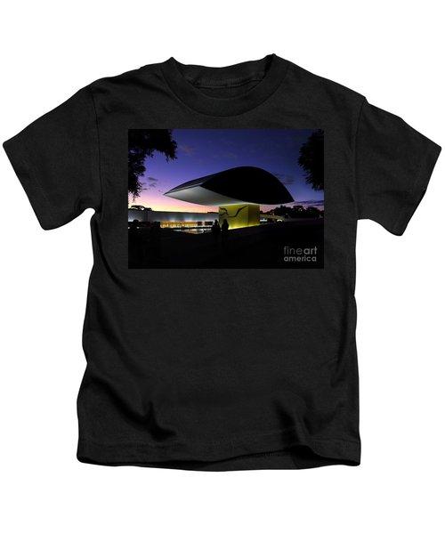 Curitiba - Museu Oscar Niemeyer Kids T-Shirt