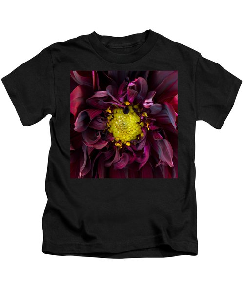 Dahlia - A Study In Crimson Kids T-Shirt