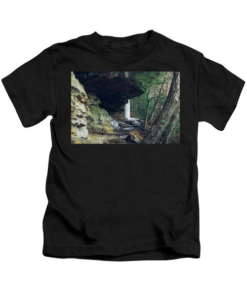 Eaglefalls Trail In Winter Kids T-Shirt