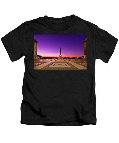 Eiffel Tower At Dawn / Paris Kids T-Shirt