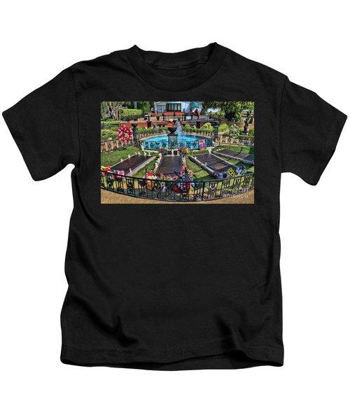 Elvis Presley Burial Site Kids T-Shirt