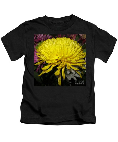 Yellow Queen. Beautiful Flowers Collection For Home Kids T-Shirt