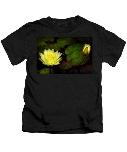 Flower - Lily - Morning Showers Kids T-Shirt