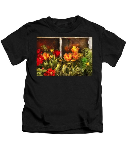 Flower - Tulip - Tulips In A Window Kids T-Shirt