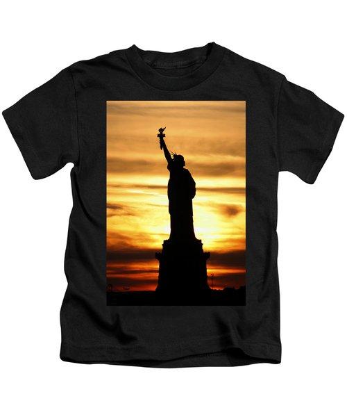 Statue Of Liberty Silhouette Kids T-Shirt
