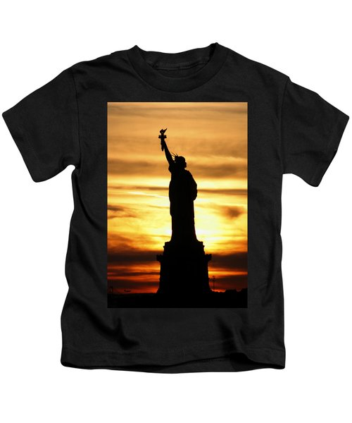 Statue Of Liberty Silhouette Kids T-Shirt