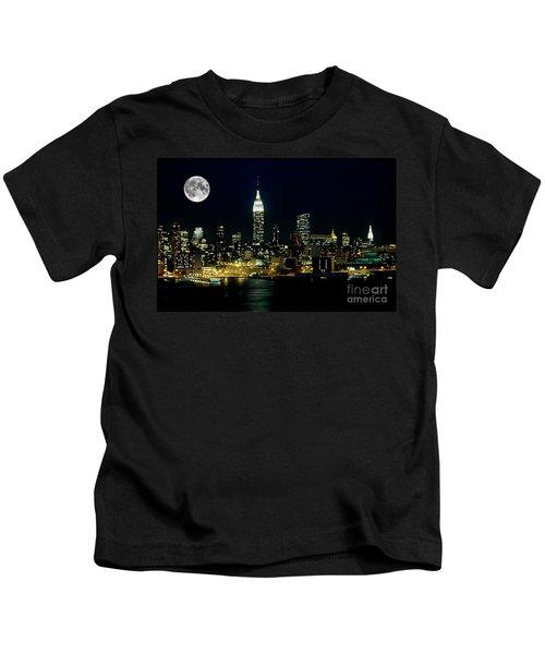 Full Moon Rising - New York City Kids T-Shirt