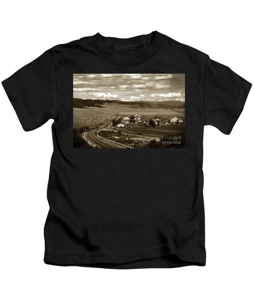 Hatton Ranch Carmel Valley From Highway One California  1940 Kids T-Shirt
