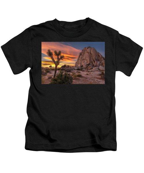 Hidden Valley Rock - Joshua Tree Kids T-Shirt