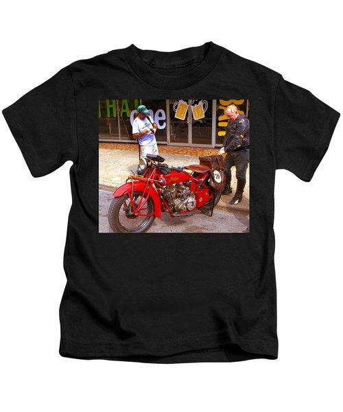 Inspecting Indian #70 Kids T-Shirt