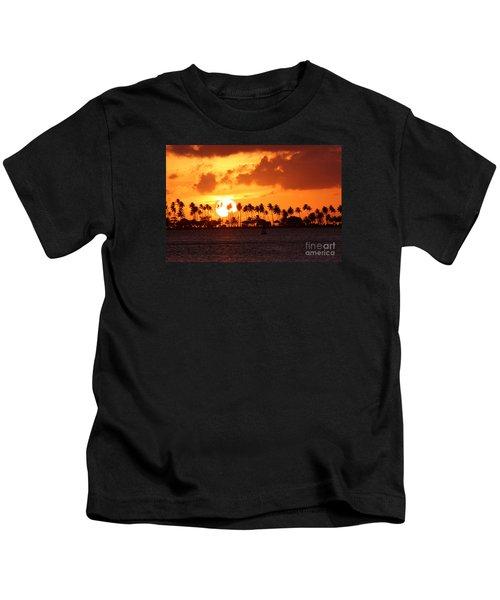 Isla De Leprosos Kids T-Shirt