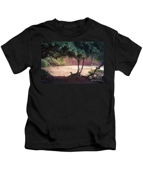 Koki Beach Kaiwiopele Haneo'o Hana Maui Hikina Hawaii Kids T-Shirt