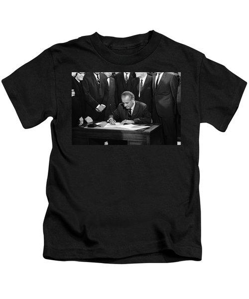 Lbj Signs Civil Rights Bill Kids T-Shirt by Underwood Archives Warren Leffler