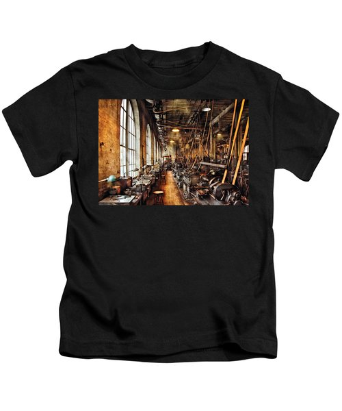 Machinist - Machine Shop Circa 1900's Kids T-Shirt