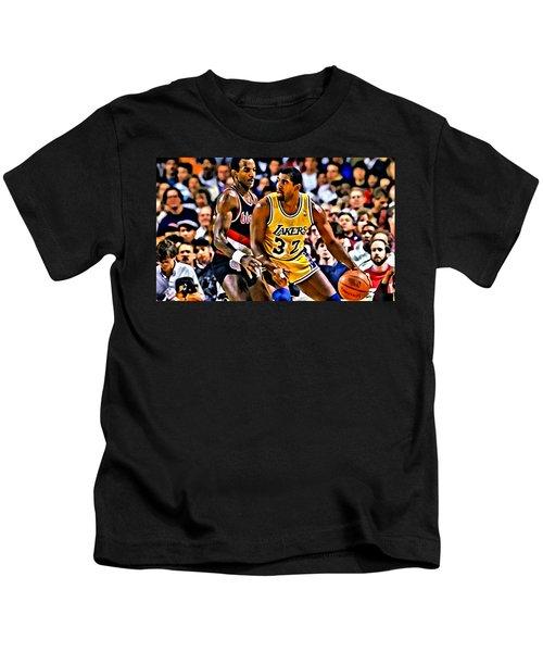 Magic Johnson Vs Clyde Drexler Kids T-Shirt by Florian Rodarte