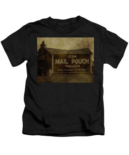 Mail Pouch Barn Kids T-Shirt